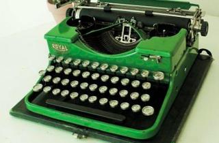 Typewriter-Royal  green