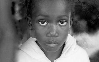 • 7-Haiti_girl B&W
