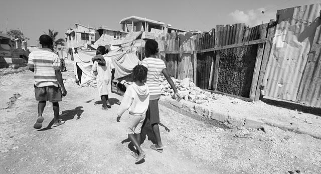 •Haiti-kids waliking