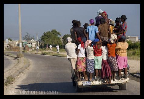 Women_on_truck_0488
